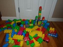 MegaBloks- Quantity of 165 - $30