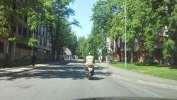Macibu moocikls pilsetas ielas