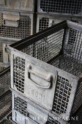 #22/165 50 Metal Crates detail