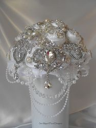 Brooch Bouquet   #B26