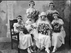 Marie Pollak Kacir and bridesmaids