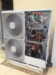 Hitachi Yutaki Air source heat pump