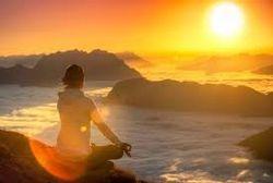 Méditation au lever du soleil