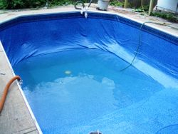 filling deep end pool liner