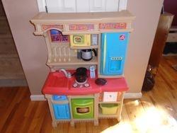 Step 2 LifeStyle Custom Kitchen- Brights - $65