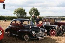 Morris Minor 1000 & MG TD