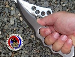 Leonard Bacay's Custom Made Knuckle Knife