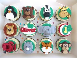 Zoo themed cupcakes