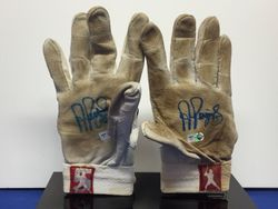 ALBERT PUJOLS 2010 SIGNED GAME USED BATTING GLOVES w MLB HOLOGRAM