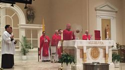 Pentecostes- Misa presidida por el Obispo Auxiliar Mons. Nelson Perez