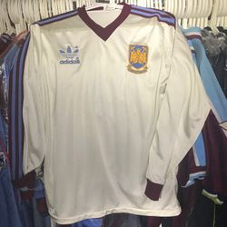 Paul Goddard 1980/81 away shirt.