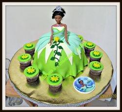 CAKE 55 A2 -Princess & Frog Doll Cake & cupcakes