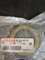 New Yamaha #93103-45179-00 crank shaft Oil Seal x1