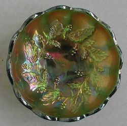 Millersburg Holly, green, satin, smooth edge, clear center