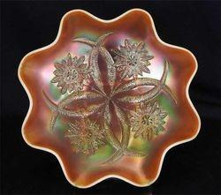 Four Flowers 8 ruffled bowl, peach opal