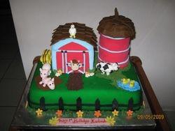 CAKE 7A2- Farmyard Cake