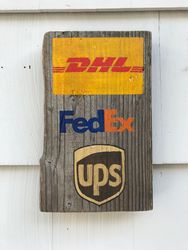 Pick up/delivery sign