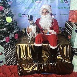 Augie's first Santa meeting