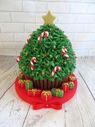 Christmas Tree Giant Cupcake