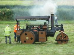Wallis & Stevens Advance Steam Roller