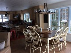 Chaise et bas de table peinte