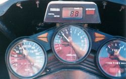 Tom's XJ900 clocking over 70000klms after the 1994 AGM at Alice Springs - May 1994