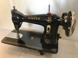 Singer Tailor Deluxe Model