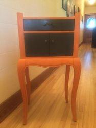 Petit meuble de couleur Barcelona Orange
