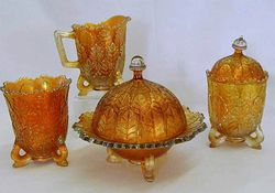 Leaf Tiers table set, marigold