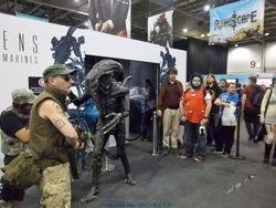 Alien attacks Marines
