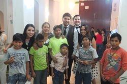 Alumnos de piano y violin con miembros de la Orquesta Municipal de Santa Cruz