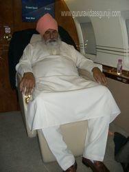Satguru Niranjan Dass Ji Maharaj in a First class flight