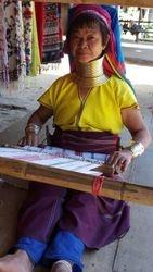Longneck Karen Woman weaving
