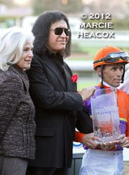 Gene Simmons Presents a Trophy
