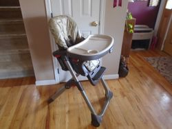 Graco DuoDiner 3-in-1 Convertible High Chair, Gender Neutral - $50