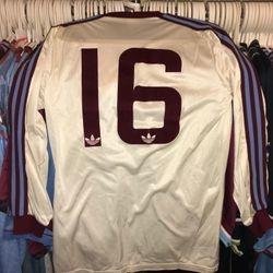 1980-81 worn Adidas away squad number 16 shirt.