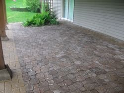 Paver brick patio with border