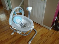 Graco Duet Sway Swing with Portable Rocker - $50