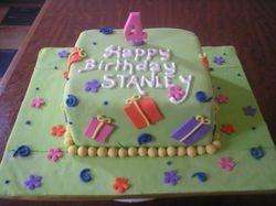 Gift box themed cake (B100)