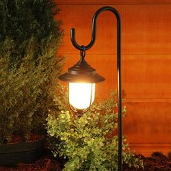 Moonrays Low-voltage outdoor lighting installation