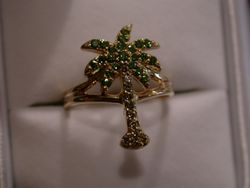 Green and Brown Diamond Palm Tree Ring