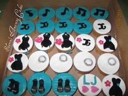 CC23 -Fashionista Cupcakes 2