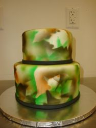 Fondant covered airbrushed leaf pattern $6/serving