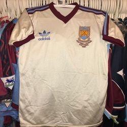 Nicky Morgon 1981 Football League Cup Final shirt