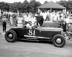 Winchester 1950 Roadster race