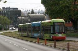 Variobahn #1207 descending Neutorgraben