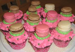 Cupcakes with French Macaroons