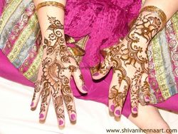 6. Arabic Bridal Henna -  ( both hand one side )