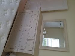dresser and mirror match queen bed