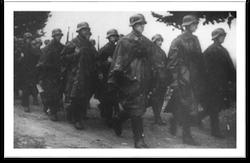 Wehrmacht Soldaten on the move